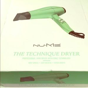 NuMe The Technique Dryer - Mint Green